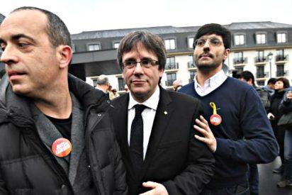 Arrestados los dos mossos 'traidores' que acompañaban al prófugo Puigdemont