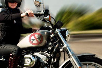 Terrible accidente de moto está a punto de terminar con un motociclista brasileño