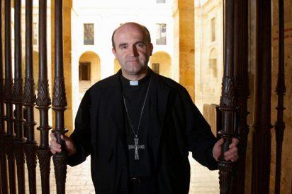 Los fieles cierran un templo de San Sebastián en protesta por el cambio de párroco