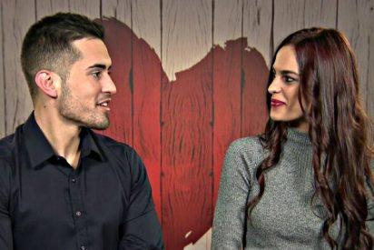 'First Dates': Chica en estado de 'shock' hace sugerente revelación sexual a su cita