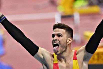 Óscar Husillos se proclama campeón del mundo en 400 y es descalificado a los pocos segundos