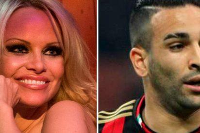 ¿Sabes por qué Pamela Anderson se lo monta con Adil Rami antes de los partidos?