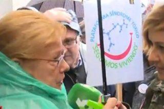 Cristina Pardo se toma muy en serio la protesta de los pensionistas y se viste para la causa