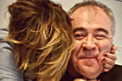 Cristina Pardo se despide de Ferreras con un beso 'al rojo vivo'