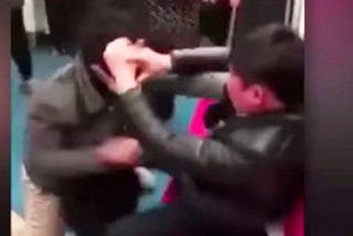 Sucia pelea en el metro de Pekín