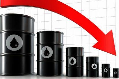 El barril de petróleo cae un 3% tras un nuevo incremento de las reservas en EEUU
