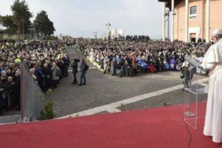"""El Papa reclama el Premio Nobel de la Paz para los ancianos, """"que dan memoria a la Humanidad"""""""