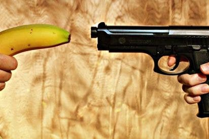 El listo que atracó la tienda de ultramarinos con un plátano