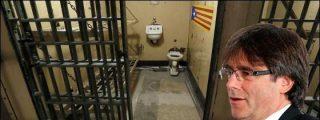 Puigdemont se atiborra de salchichas para pasar el mal trago rodeado por violadores turcos