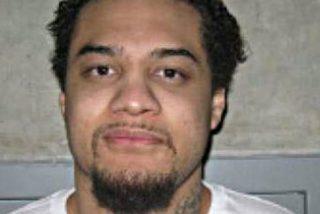 Cosen a tiros a este gángster por lanzarse sobre un testigo en el tribunal