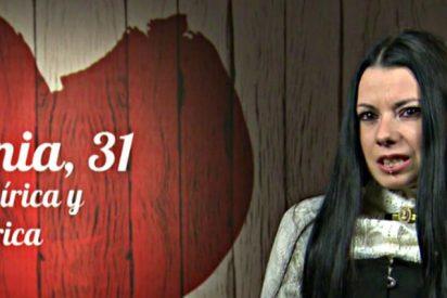 'First Dates': Los macabros gustos sexuales de una gótica
