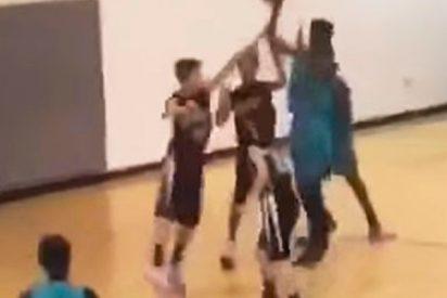 Los impresionantes triples de este adolescente sin brazos dejan atónito al público
