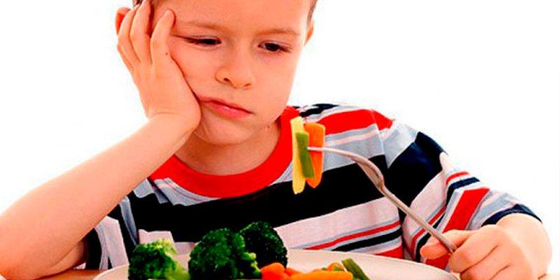 ¿Qué riesgos implica hacer a tu hijo vegetariano?