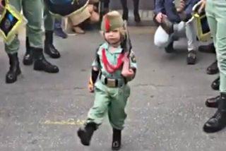 El niño que pone firme a la Legión y de los nervios a Podemos y los independentistas
