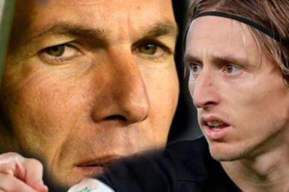Zidane deja con el culo al aire a Modric