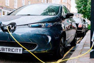 Proyecto pionero: Siemens transformará farolas en puntos de recarga para coches eléctricos