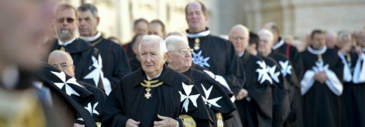 La Orden de Malta pide a sus miembros que no apoyen al autor de 'El Papa Dictador'