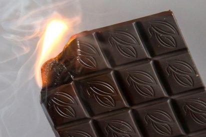 La última moda en redes: barras de chocolate ardiente