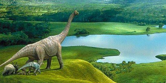 Escocia: Extrañas huellas de dinosaurios aparecen por docenas en la sla de Skye