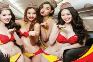 Las 10 azafatas más cachondas que puedes encontrar en un avión