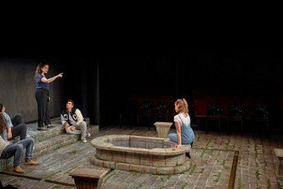Acastos, dinos, para qué sirve el teatro