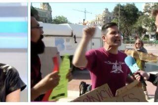 Un ultra de Colau insulta a Ana Rosa Quintana y esta le responde con un soberano estacazo
