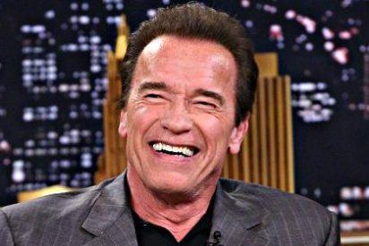 """Arnold Schwarzenegger se despierta tras su operación a corazón abierto: """"He vuelto"""""""