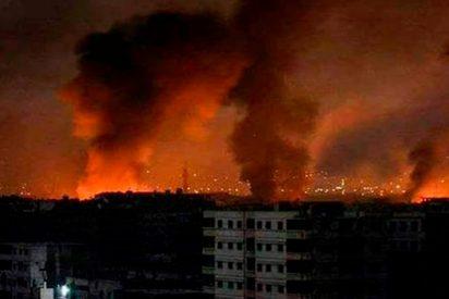 Así fue el feroz ataque aéreo contra instalaciones militares sirias en Hama y Alepo