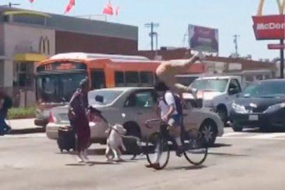 Atropella intencionadamente a un ciclista en el homenaje a otro ciclista muerto
