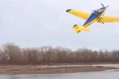 Momento exacto de la caída mortal de una avioneta en Siberia