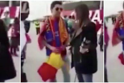 """El pánico de una reportera de Barça TV a que una bandera de España se cuele en una entrevista: """"No la saques, que me pones en un lío"""""""