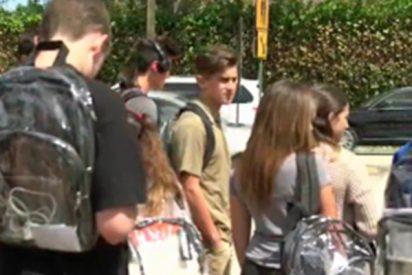 Trump obliga a los estudiantes a llevar bolsos transparentes por seguridad