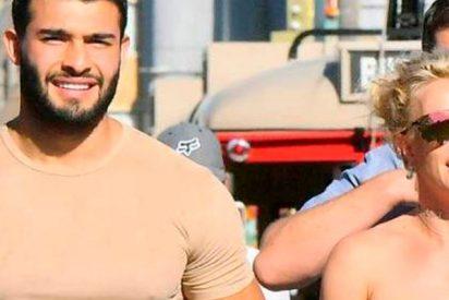 Britney Spears vive muy feliz con su toyboy iraní de 23 años