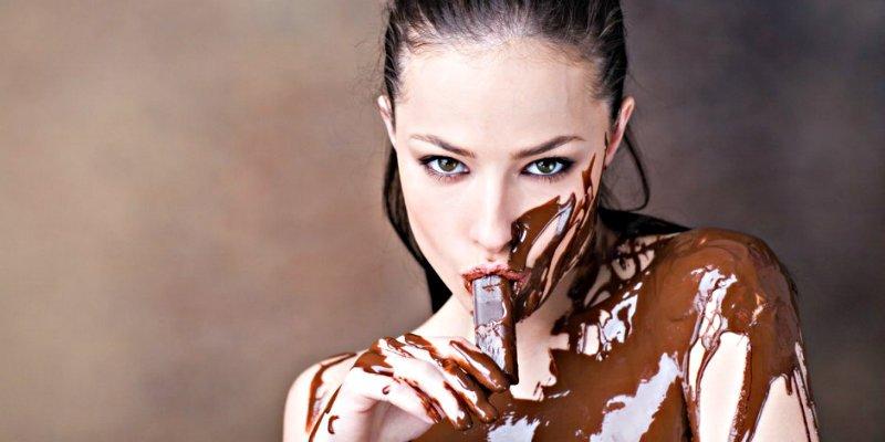 ¿Sabías que comer chocolate amargo podría mejorar tu visión?