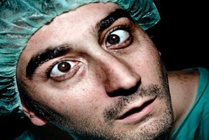 ¿Te dejarías operar por este cirujano?