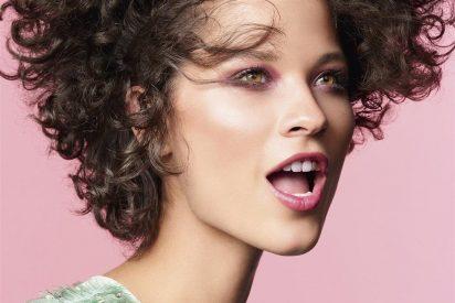 Descubrimos el maquillaje que necesitas para deslumbrar este verano