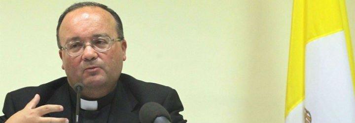 Scicluna recomienda al Papa que acepte la renuncia del obispo Barros