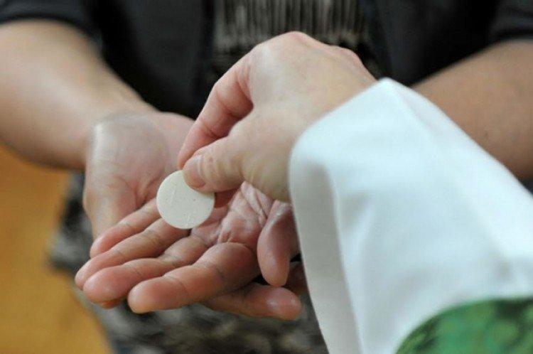 Siete obispos alemanes preguntan a Roma si los protestantes pueden recibir la comunión