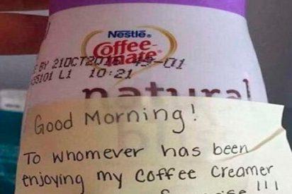 La épica venganza contra el ladrón de de la oficina que le robaba su crema de café a diario