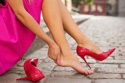 Abusar de los zapatos de tacón puede ser causa de artrosis en los pies y rodilla