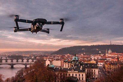Este dron capta un 'jinete fantasma' cabalgando por un antiguo castillo inglés