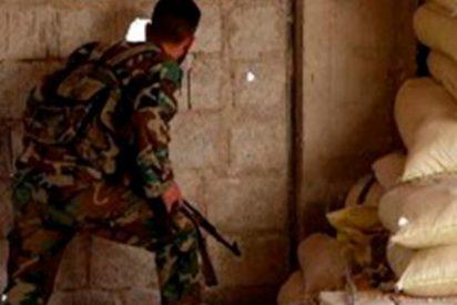 Así iza la bandera nacional el Ejército sirio en Guta Oriental para declarar su victoria