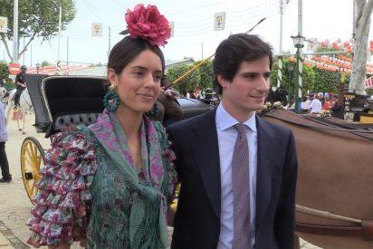 El Duque de Huéscar y Sofía Palazuelo pasean su amor por la Feria de Abril