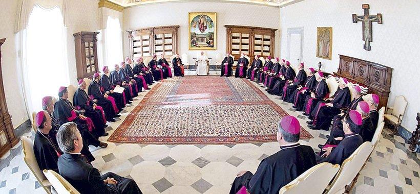 """Los obispos chilenos plantearán al Papa un """"plan de renovación"""" que podría incluir la expulsión de Barros"""