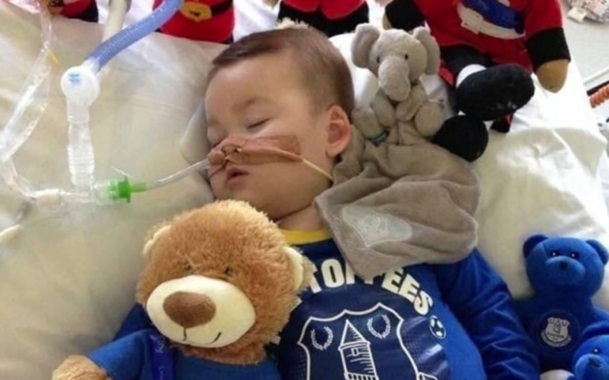 Muere el pequeño Alfie Evans, el bebé británico por el que pidió el Papa Francisco