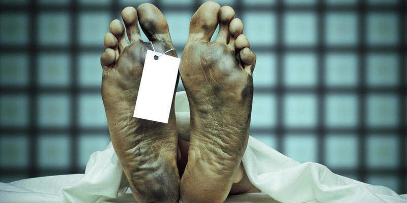 Las 10 cosas raras que le pasan a tu cuerpo después de morir