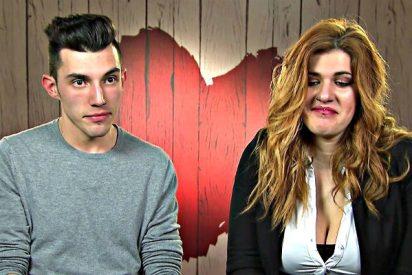 'First Dates': Ella le dice que es bisexual y él ya no quiere verla más