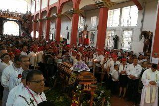 La Policía cree que el sacerdote asesinado en Salvador fue víctima de las pandillas