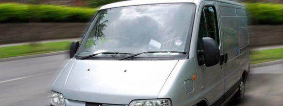 Así son las nuevas furgonetas camufladas con las que la Guardia Civil vigila las carreteras