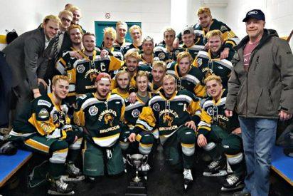 Mueren 14 jugadores de hockey hielo juveniles aplastados en un accidente en Canadá